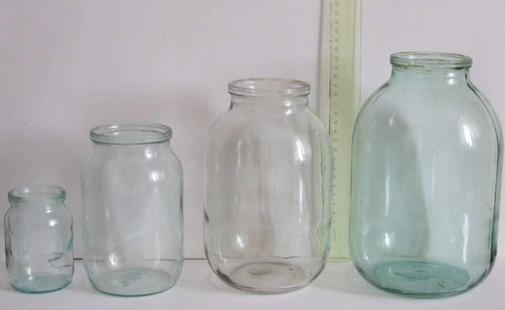В случае отсутствия специальной посуды можно использовать обычные стеклянные банки объёмом 3 литра