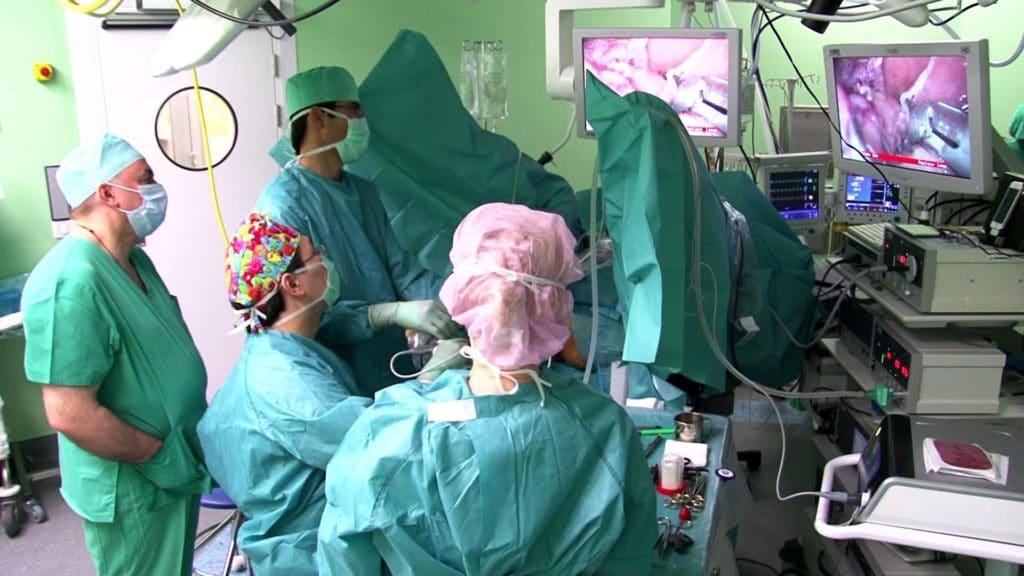 Единственным способом лечения гемангиобластомы является операция по удалению доброкачественной опухоли