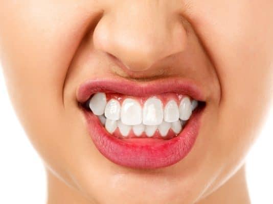 Скрип зубами во сне: причины у детей и у взрослых