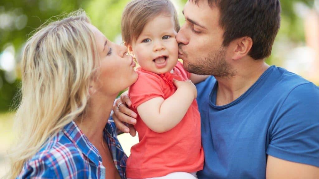 Поцелуй ребёнка