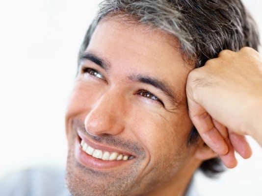 Ранняя седина: причины появления у мужчин и женщин