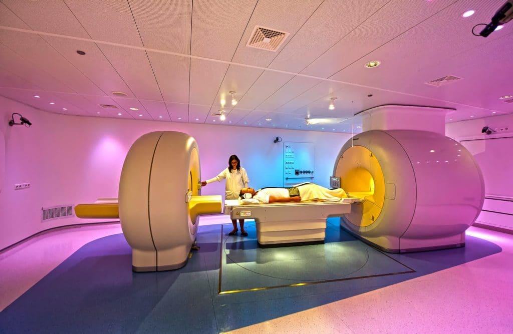 Аппарат для позитронно-эммисионной томографии