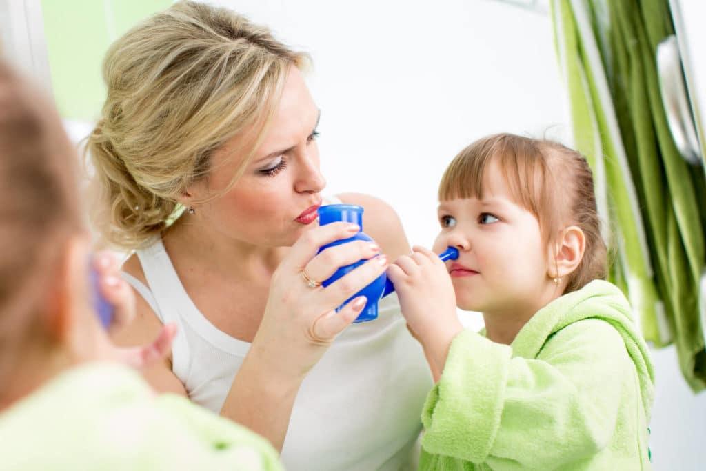 Для облегчения симптомов аллергии рекомендуется промывать нос солевыми растворами