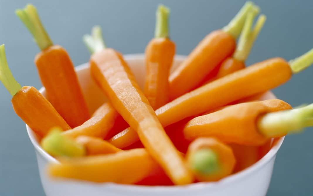Можно ли есть при диабете морковь яблоки