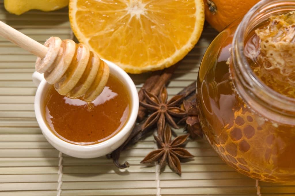 Лечение при помощи меда