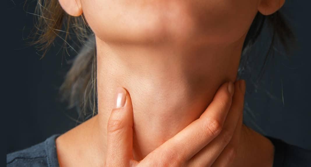 Парез голосовых связок: причины и лечение