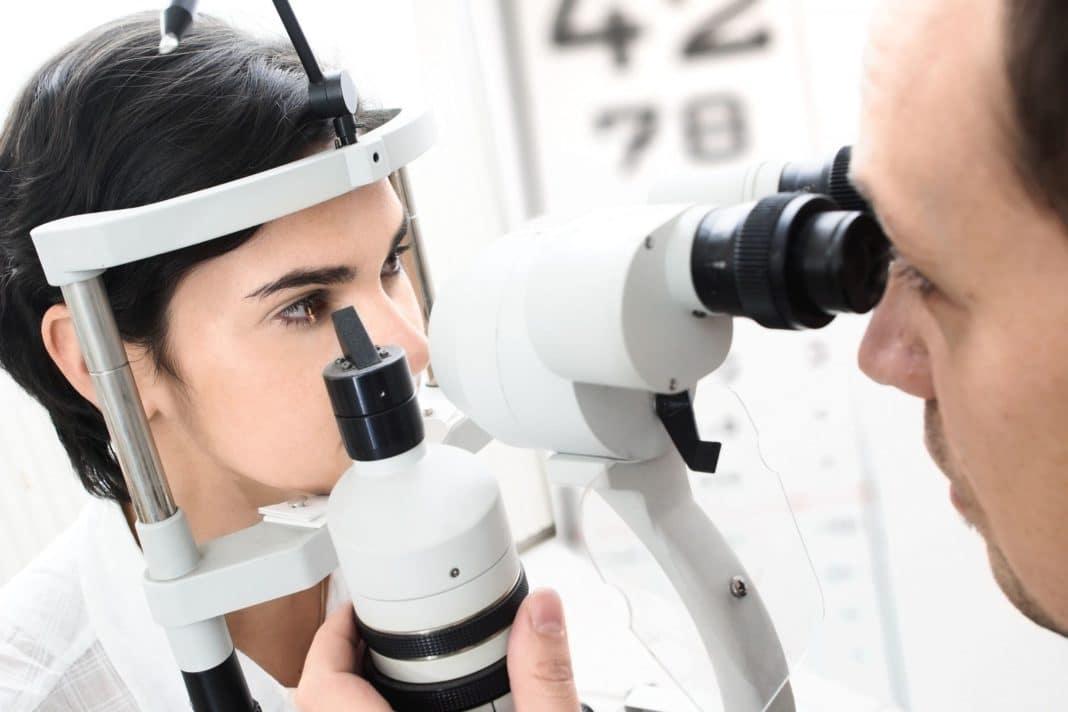 Визит к врачу офтальмологу