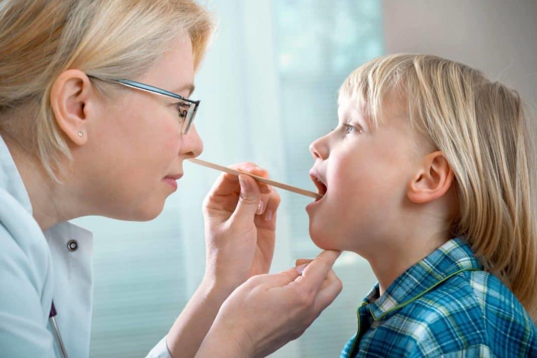 Стоматит у детей - симптомы и лечение болезни