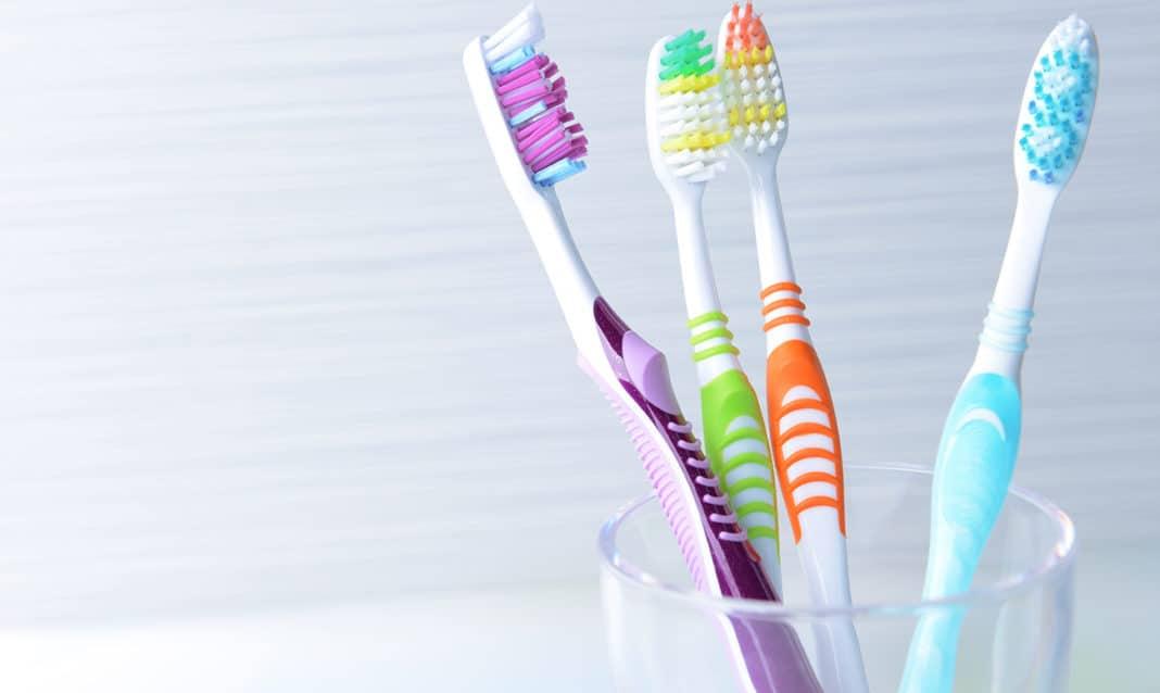 Выбор зубной щетки по степени жесткости