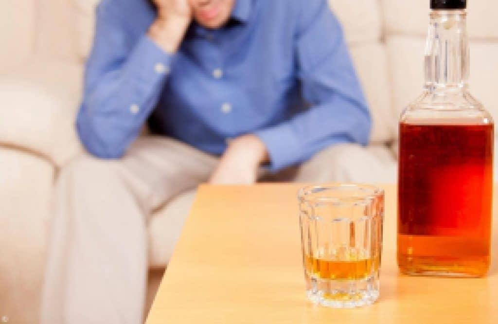 Факторы, провоцирующие алкогольный гастрит