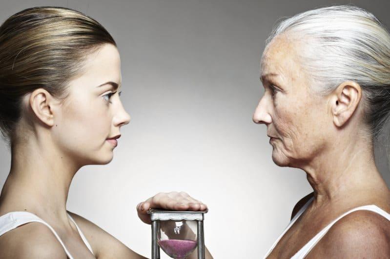 Когда мы начинаем стареть — данные опроса и мнение медиков