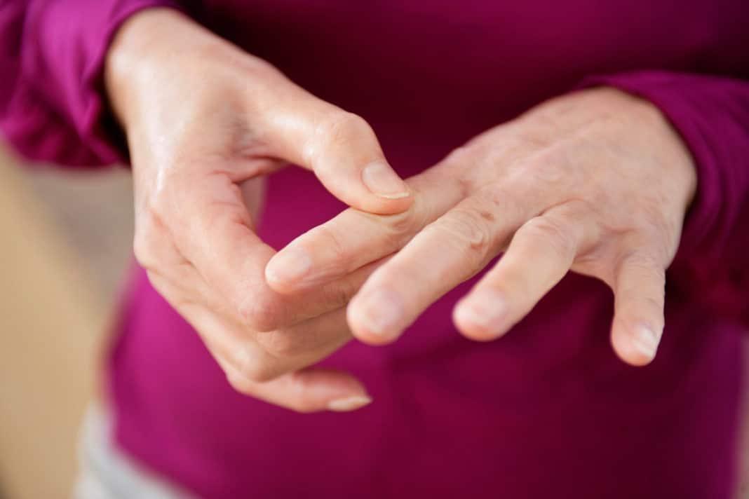 5 причин, по которым немеют пальцы на руках