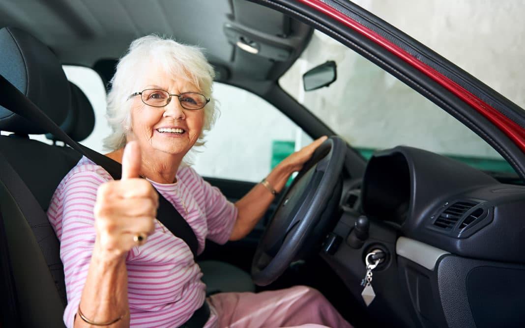 В каком возрасте стоит отказаться от вождения?