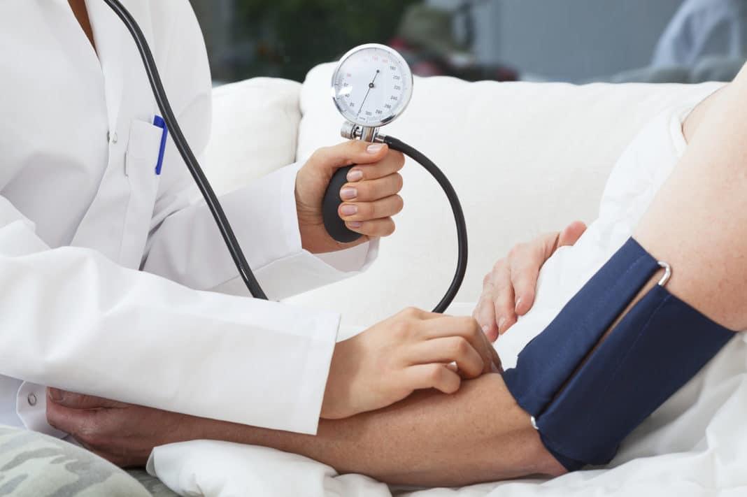 Как поднять давление при стенокардии