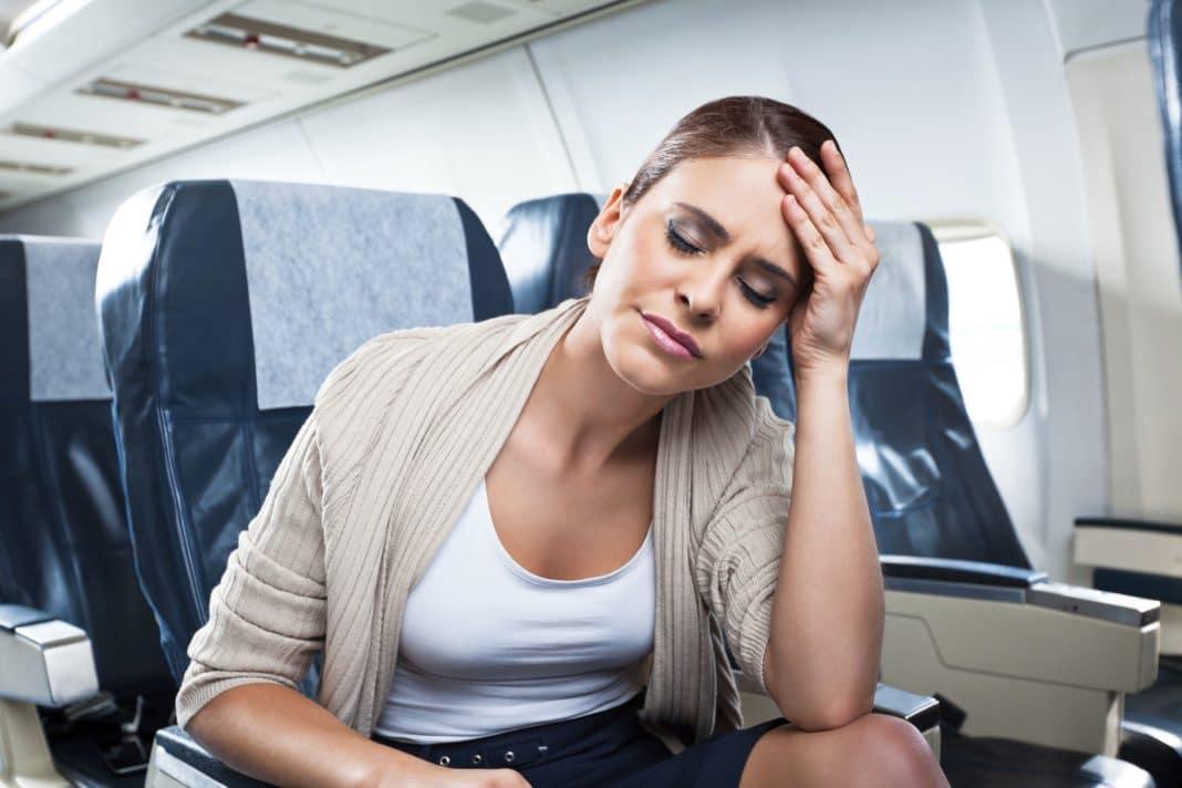 5 советов, если вас укачивает в самолете