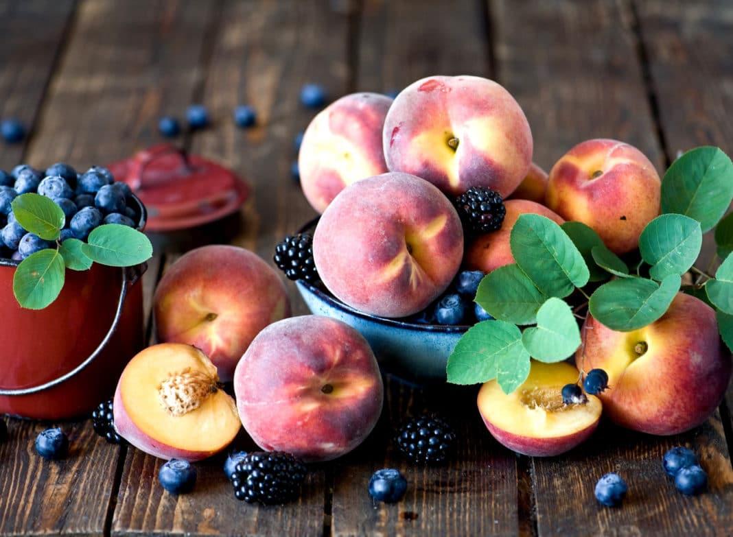 Какие 7 овощей и фруктов необходимо обязательно съесть летом