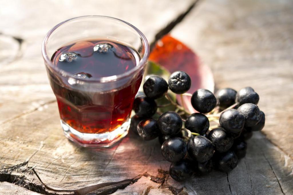 Черноплодная рябина от давления: рецепты и противопоказания