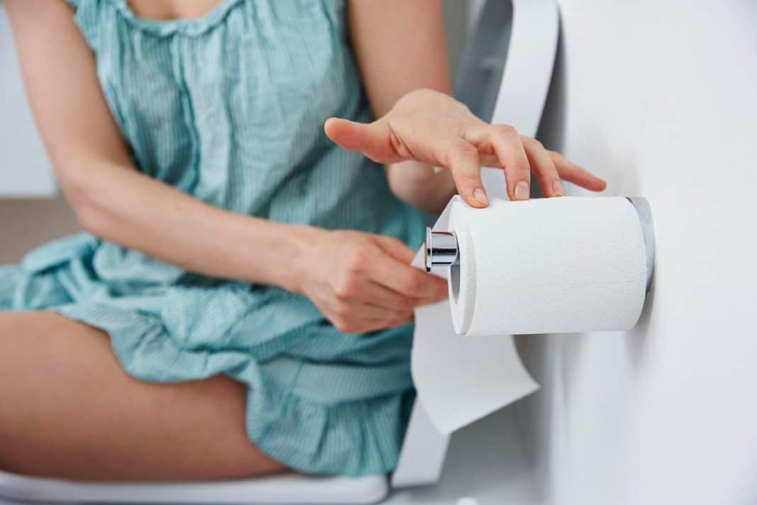 Бумага, салфетки или душ после похода в туалет, что гигиеничнее?