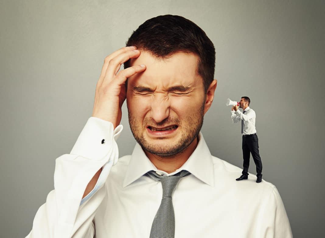 Излишняя критика по отношению к себе способна стать причиной психического расстройства